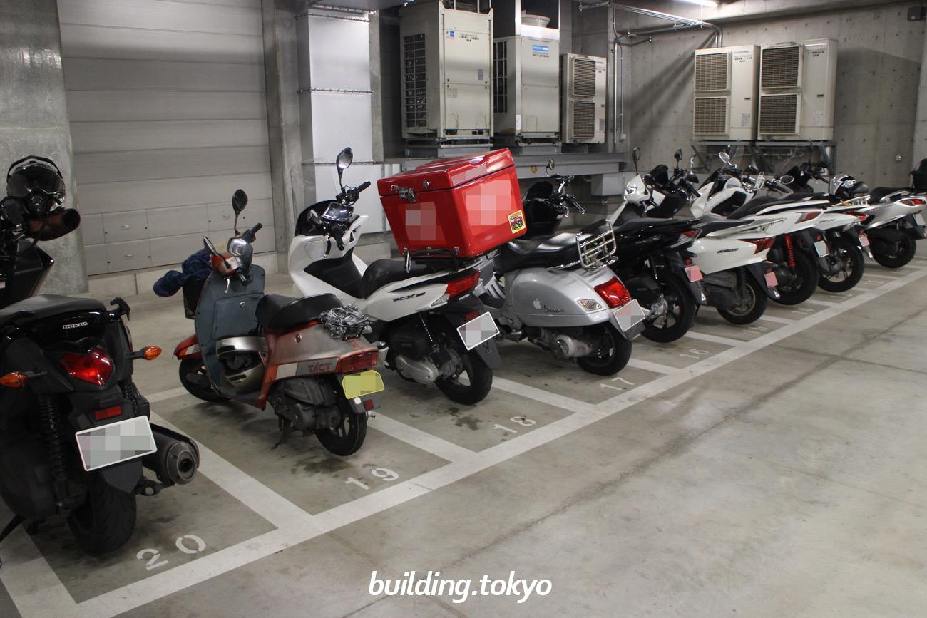 JPタワー、バイク駐車場