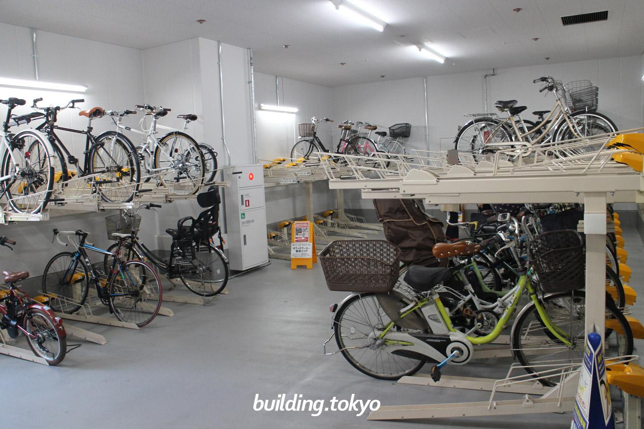 日本橋高島屋S.C.東館バイク駐車場、自転車駐輪場