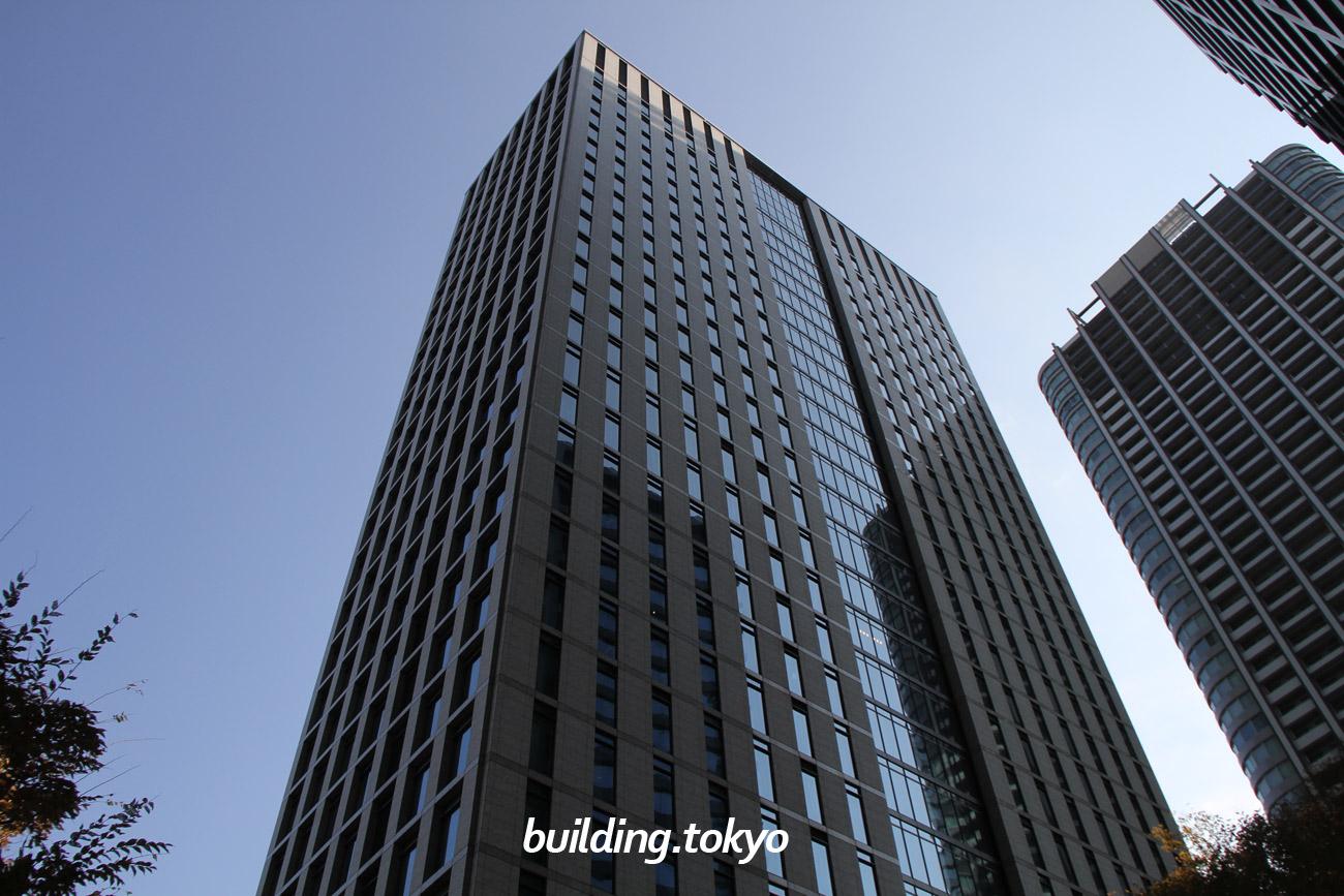 日本通運本社ビルは、「汐留シオサイト」に建設されたビルで、「知的創造性を生み出す空間づくり」「人と環境にやさしい建物」「周辺地域への貢献」をテーマに建てられています。2021年9月、千代田区神田和泉町に新本社ビルが完成予定です。