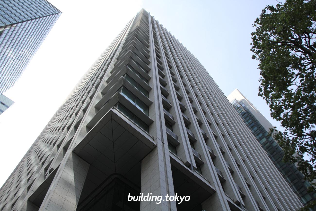 大手町ファイナンシャルシティ サウスタワーは、高層部のオフィスゾーンに加え、低層部には聖路加国際病院の分院となる「聖路加メディローカス」やカンファレンスセンター、商業ゾーン、東京金融ビレッジなどがあります。