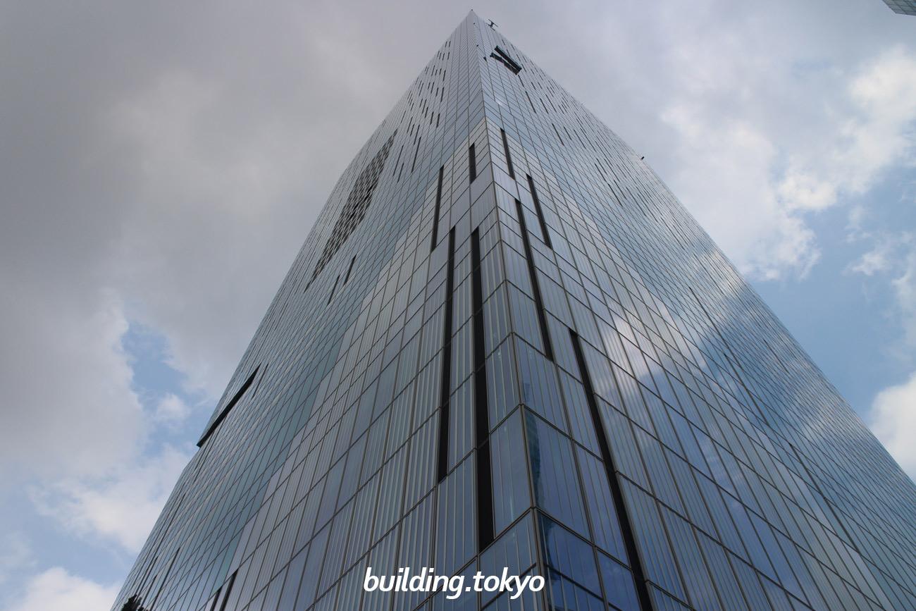 渋谷スクランブルスクエア東棟は、45階から屋上階・14階:渋谷スカイ、17階から45階:オフィス、15階:渋谷キューズ・スクランブル ホール、地下2階から14階:商業施設、高さ約230m・地上47階・地下7階の超高層ビルです。