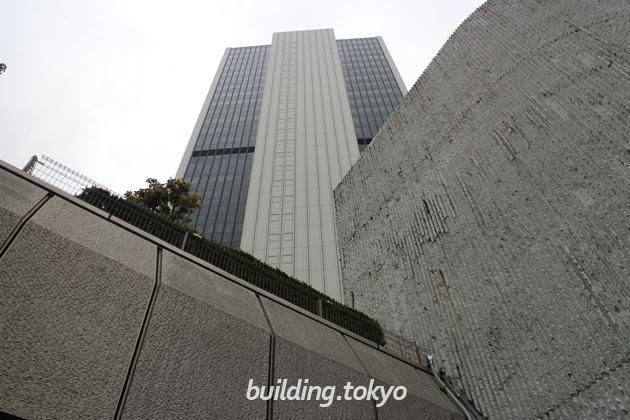 渋谷クロスタワー上部側面外観。