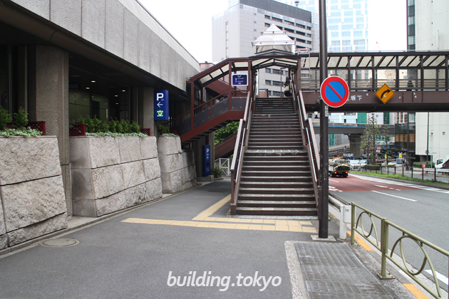 渋谷クロスタワー駐車場案内。