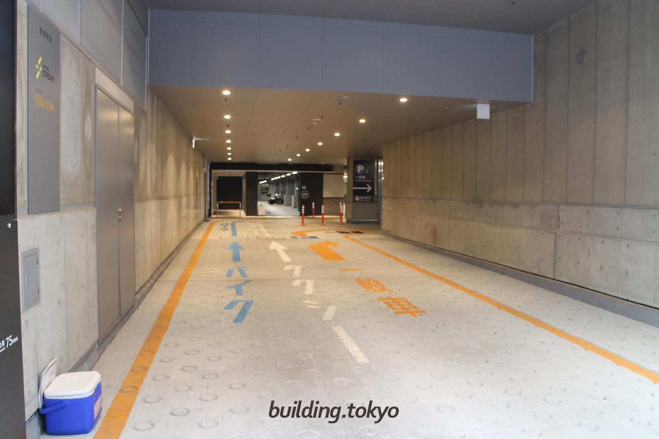渋谷ストリーム。駐車場入り口の様子。