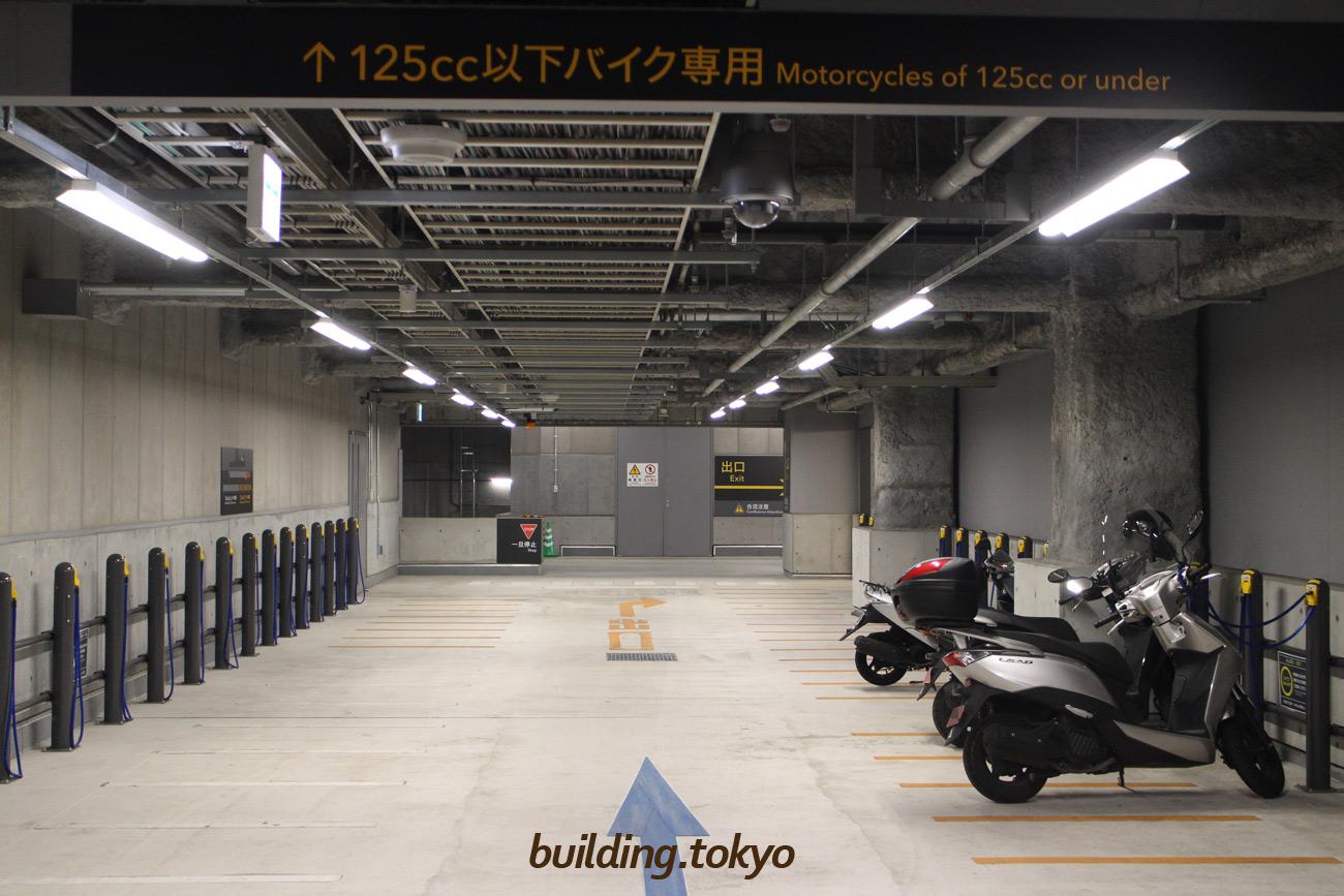 渋谷ストリーム。バイク駐車場。125cc以下バイク専用エリア。