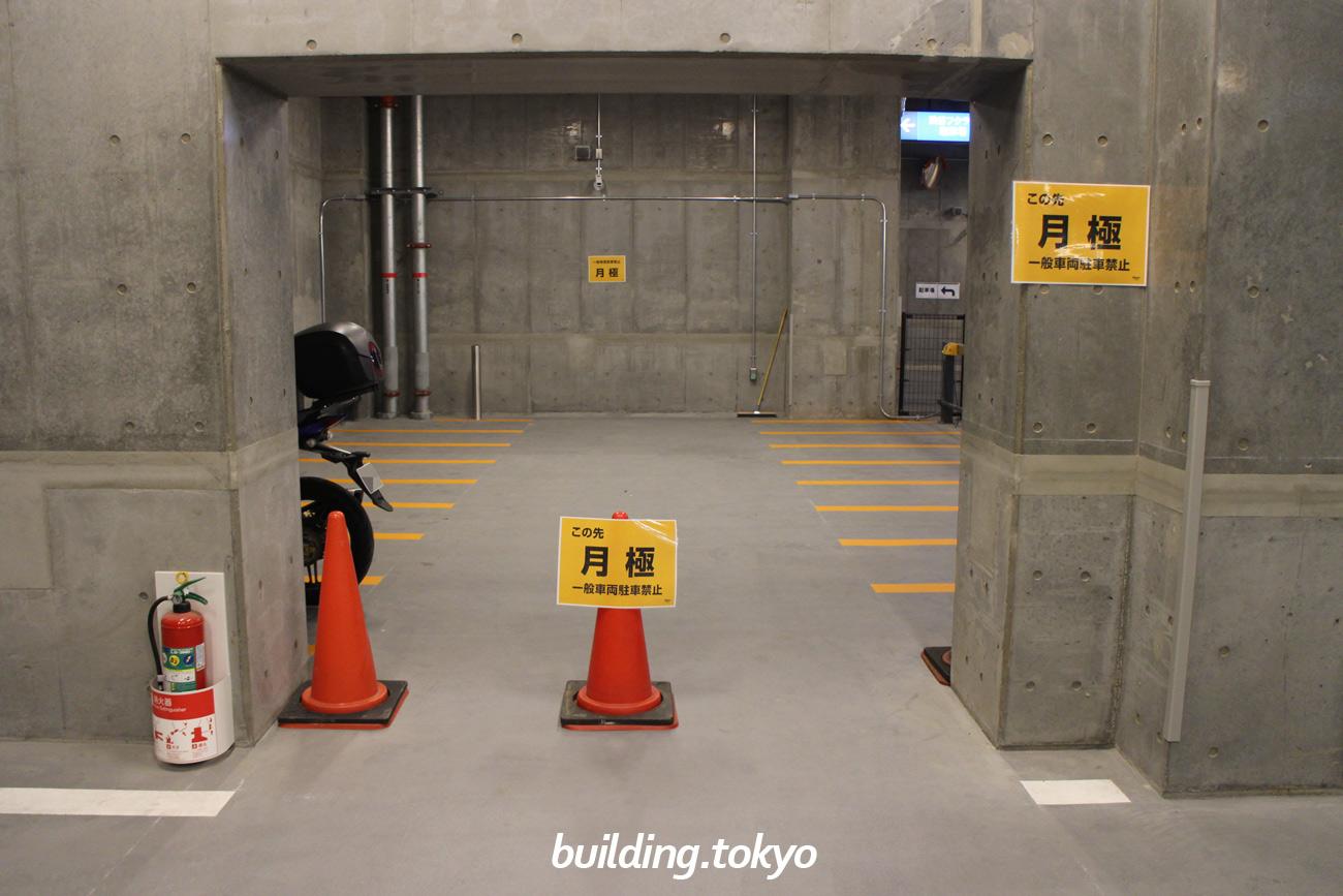 渋谷フクラス(東急プラザ渋谷)バイク駐車場、月極用