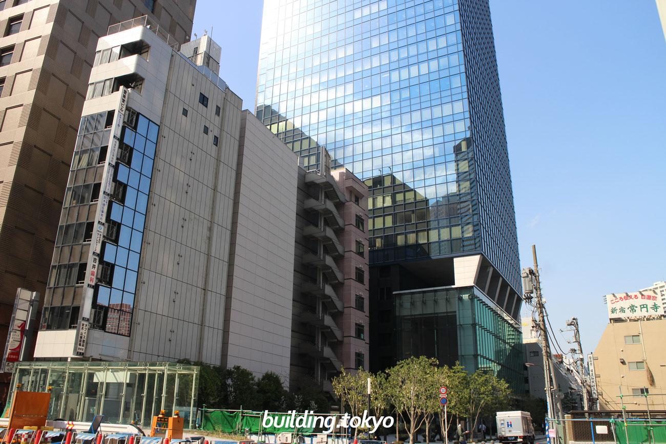 住友不動産西新宿ビル。