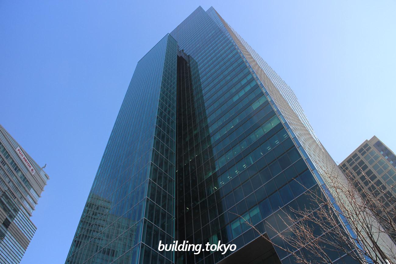 住友不動産六本木グランドタワーは、旧日本IBM本社ビルや、旧六本木プリンスホテル等の跡地を含めた用地に建てられたビルで、敷地内の南東部分は、常陸下館藩石川家屋敷跡です。9階はベルサール六本木グランドコンファレンスセンターです。