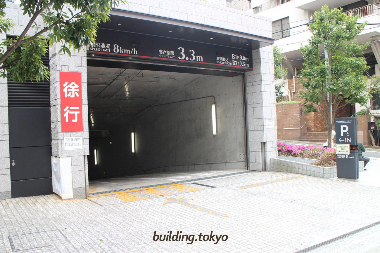 契約者用の駐車場です。一般の方は、入れません。