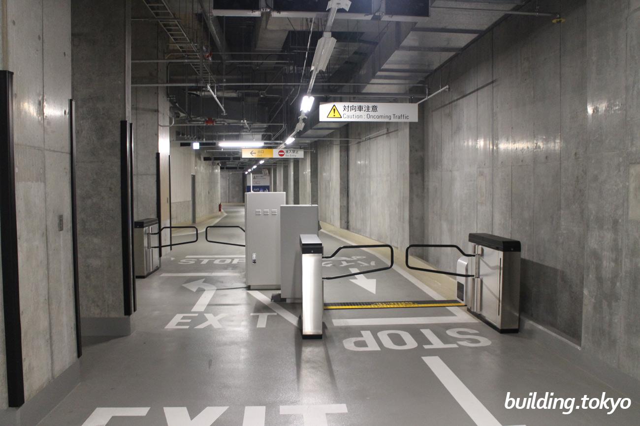 虎ノ門ヒルズ森タワー。バイク駐車場ゲート。