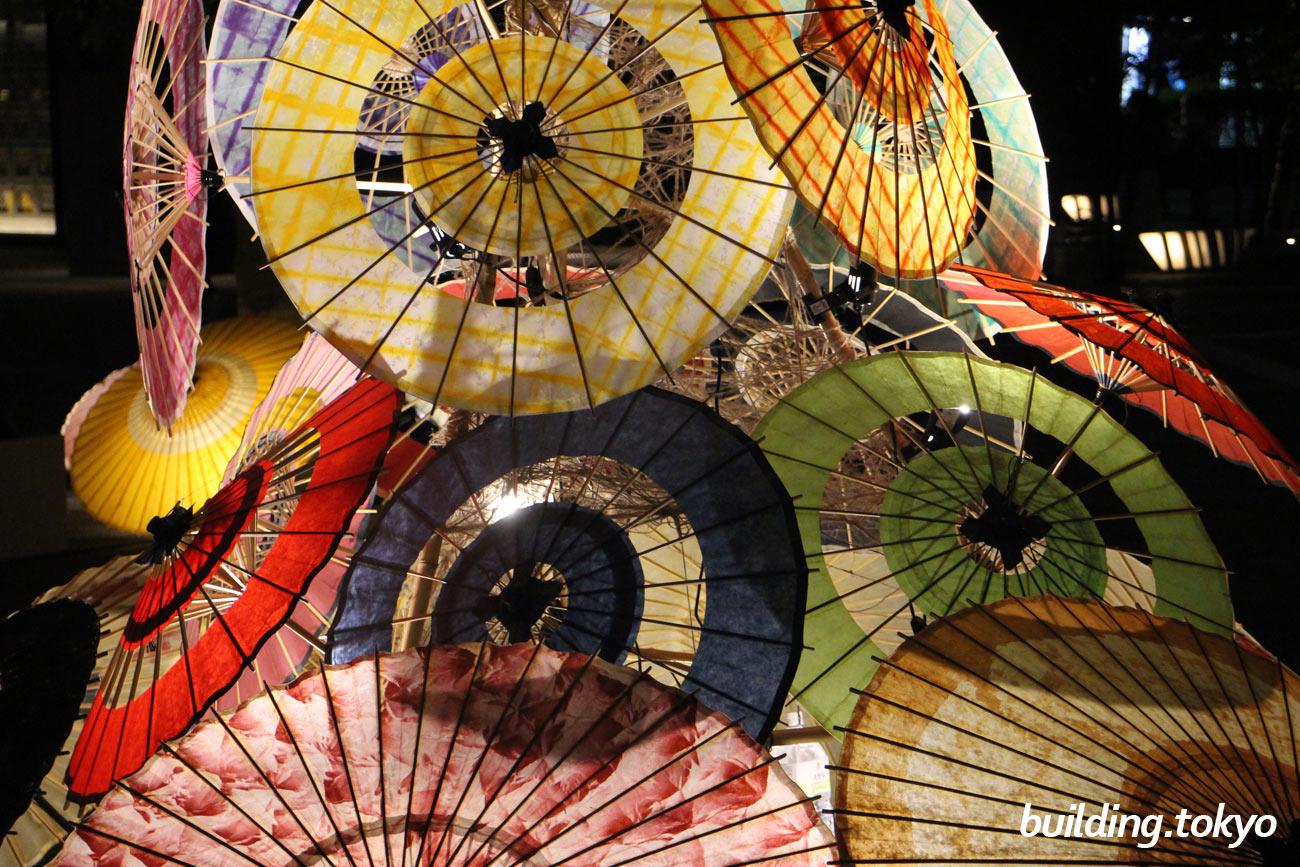 和ルミネーション、大手町仲通り (大手町フィナンシャルシティ街区)で開催される『伝統工芸品の和傘の灯でまちを彩るイルミネーションイベント』です。主催:和ルミネーション実行委員会